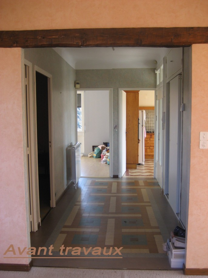 Renovation d 39 une maison a brignoles architecte n for Agrandissement maison besoin architecte